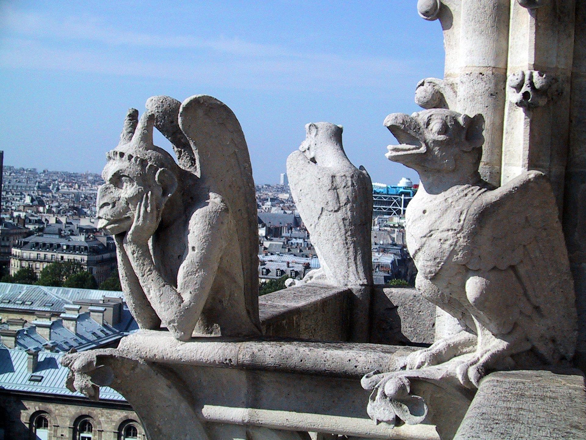 Kipovi čudovišta na katedrali - Notr Dam