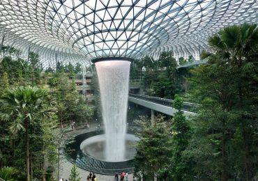 Aerodrom sa vodopadom